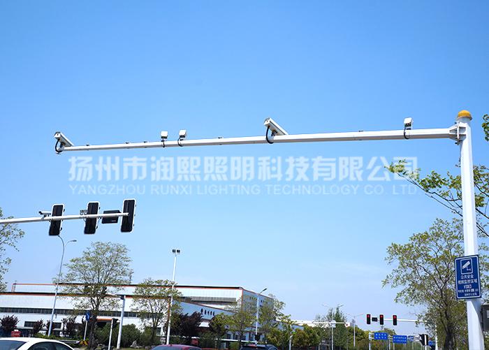 道路交通优质监控杆